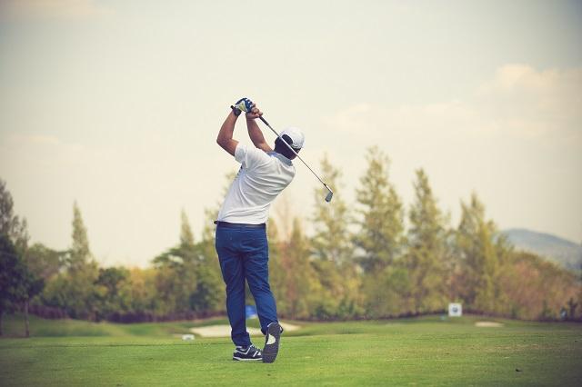 Golfers hit